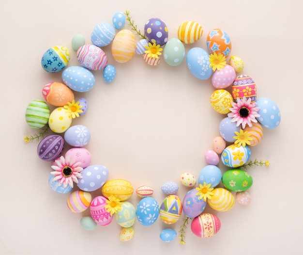 Happy easter day colorful eggs and flower decoration on paper