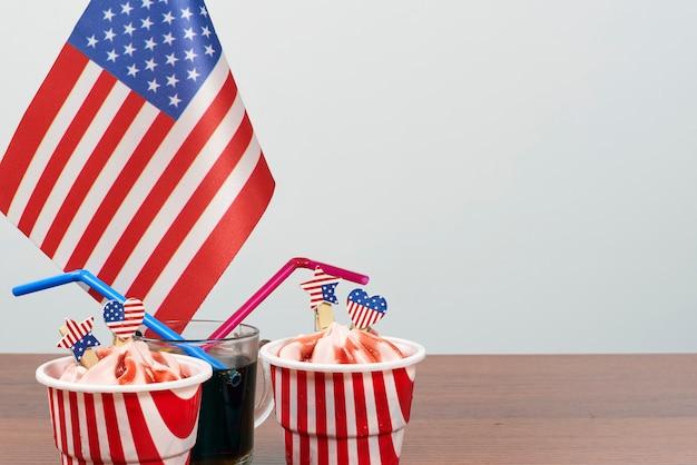 幸せな独立記念日。 7月4日を祝う