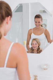 ハッピー、お母さん、娘、浴室、鏡