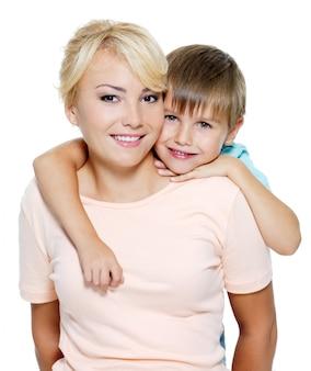 행복한 엄마와 6 살의 아들
