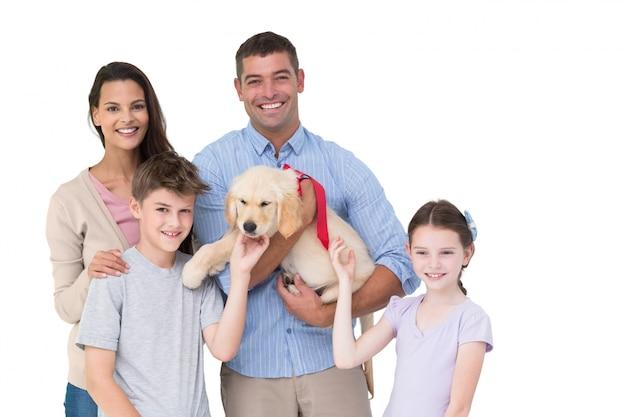 幸せな親と犬の子どもたち