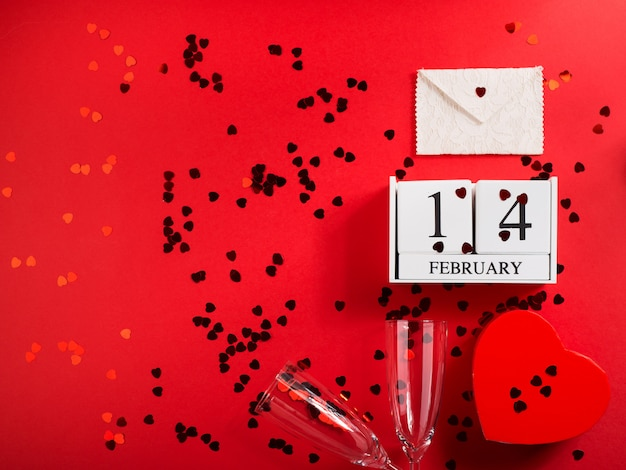 Счастливый день святого валентина концепция с флейтой и сердца