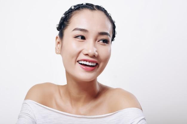 幸せなベトナム人女性