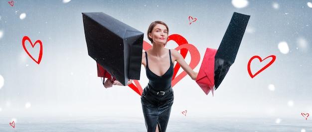 공예 가방 기쁨을 위해 점프하는 행복 한 여자