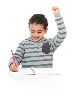 Счастливый молодой школьник учится изолированные