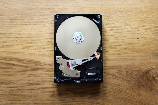 Hard disk drive archive data backup
