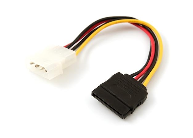 흰색 배경에 하드 디스크 드라이브 전원 케이블