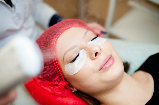 Hardware skin hydration in the cosmetology salon.