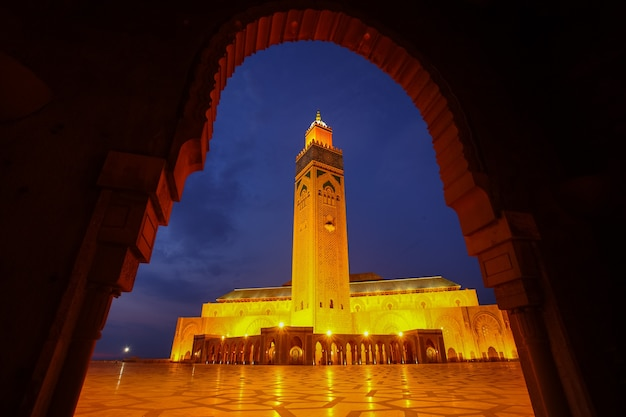 Hassan ii mosque during the twilight in casablanca, morocco
