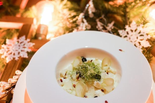 高級料理お祭りレストラン料理クリスマスパーティーメニューのコンセプト
