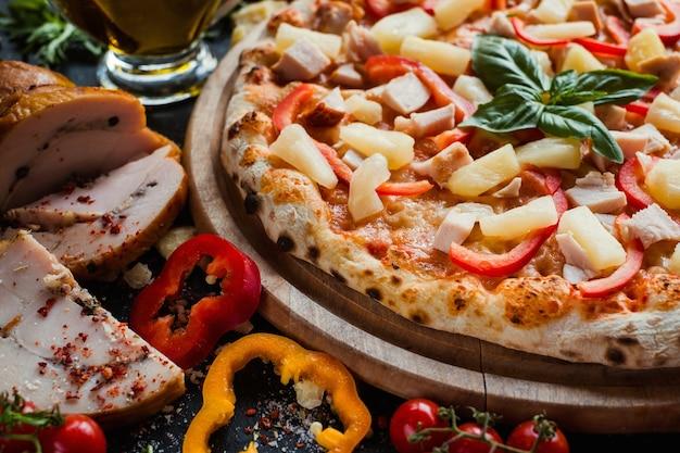 Гавайская пицца для гурманов по специальному рецепту