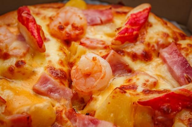 Hawaiian pizza very yummy.