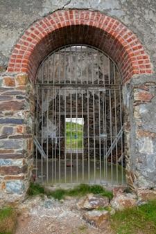 タンカーズタウン銅鉱山のゲート入り口hdr
