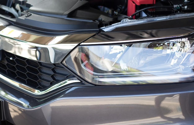 Ledライト付き自家用車のヘッドライト