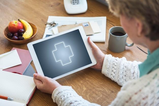 健康ウェルネスデジタルタブレットの概念