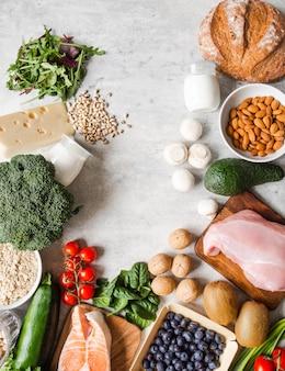 Рамка здоровых сбалансированных ингредиентов.