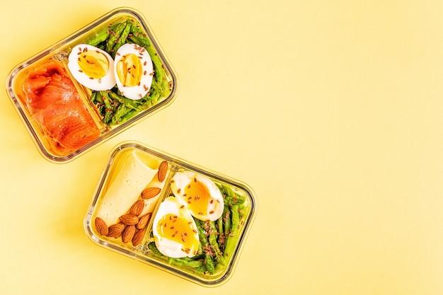 健康的なバランスの取れたランチボックス、ケトジェニックダイエットランチ、オフィスコンセプトの家庭料理。