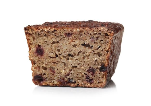 Здоровый хлеб на белой поверхности