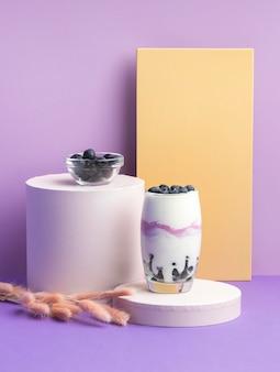 Здоровый завтрак с йогуртом
