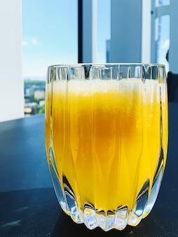 고급 레스토랑 야외 음식 서비스에서 건강 음료 과일 비타민 및 음료 메뉴 신선한 주스...