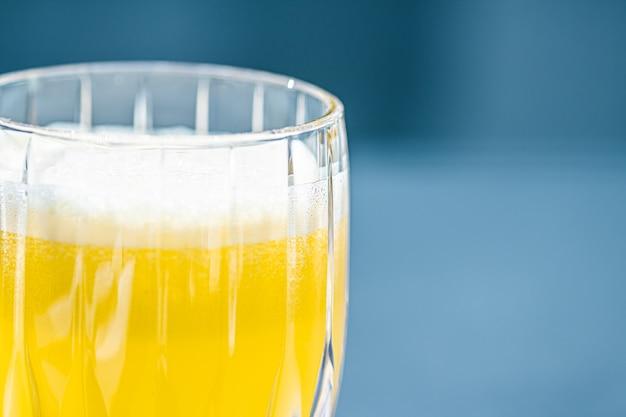 健康的な飲み物フルーツビタミンと飲み物メニュー高級レストラン屋外フードサービスとウェルネス朝食のコンセプトでフレッシュジュース