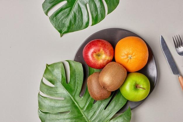 Здоровое питание, диета. свежие различные цитрусовые