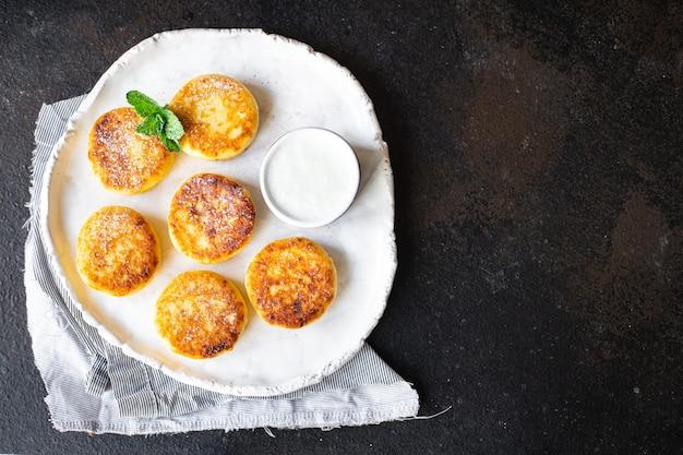 Здоровое питание чизкейк сладкий творожный завтрак сырники десерт творожные оладьи