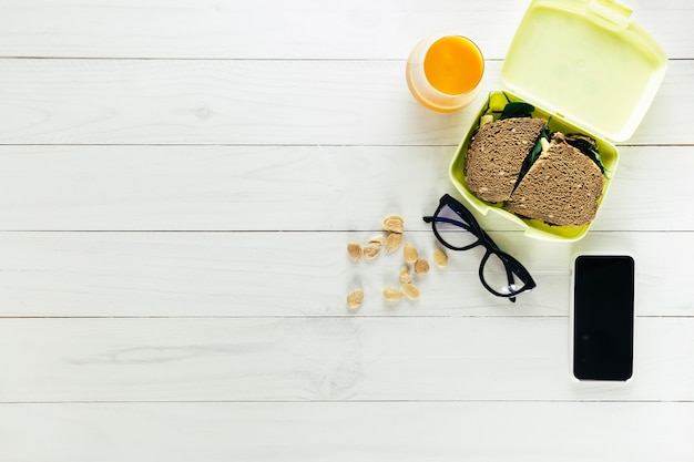 Healthy food composition with copyspace