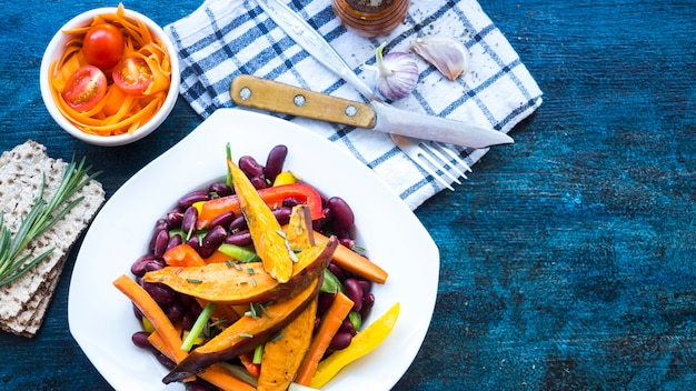 Healthy food composition with kitchen tools