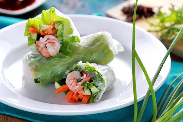 건강에 좋은 음식 신선한 베트남 스프링 롤
