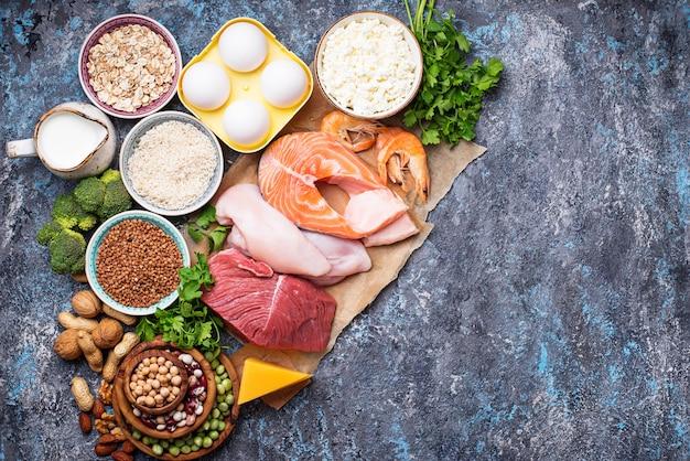 Здоровая пища с высоким содержанием белка