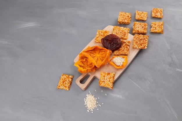 Полезные домашние сладости из сухофруктов