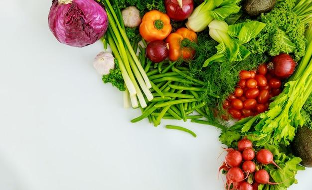 Полезный ингредиент для приготовления салата из свежих овощей.