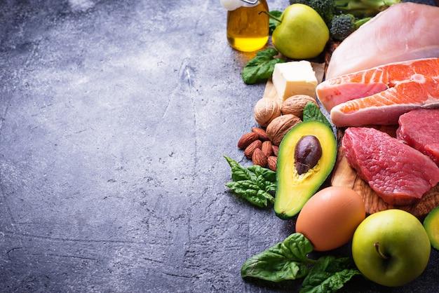 Здоровые продукты с низким содержанием углеводов. кетогенная диета.