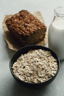 Farina d'avena sana per colazione