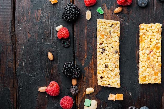 Здоровые закуски, фитнес-образ жизни и концепция диеты с высоким содержанием клетчатки, вид сверху