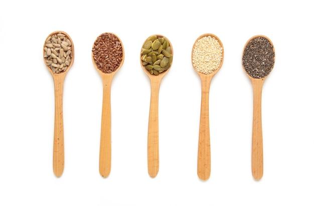 Здоровый суперпродукт: кунжут, тыквенные семечки, семена подсолнечника, семена льна и чиа