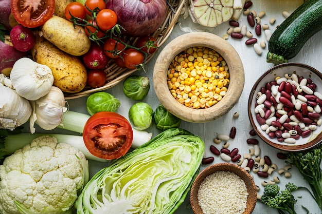 Здоровый веганский образ жизни с овощами