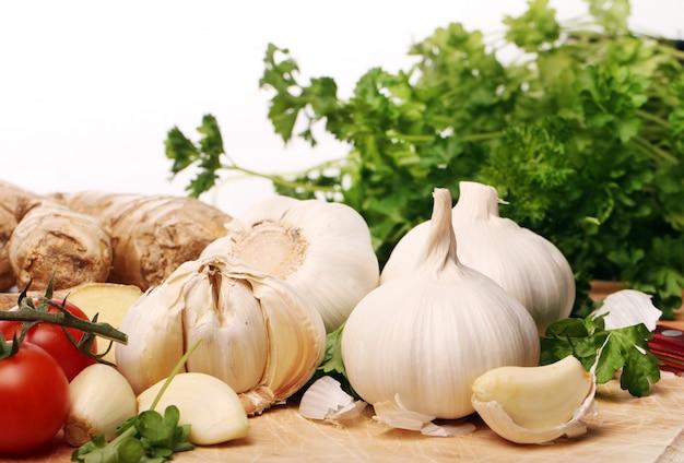 Здоровые овощи на столе