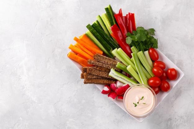 Здоровая закуска из овощей