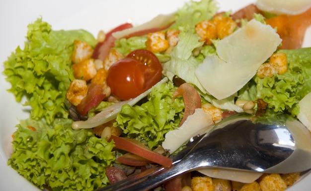 Healthy vegetarian salad on plate
