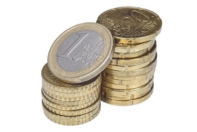 Куча европейских центовых монет