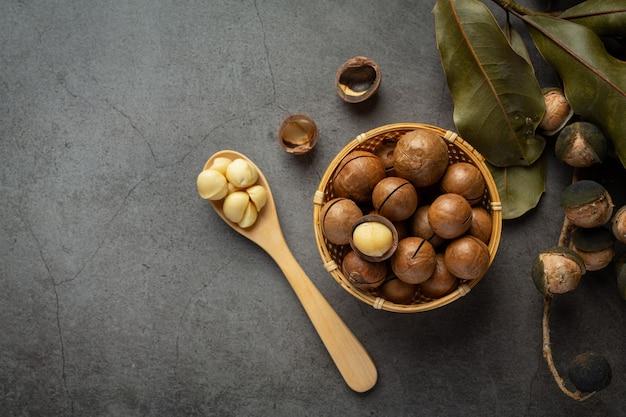 마카다미아 원시 씨앗의 힙 무료 사진