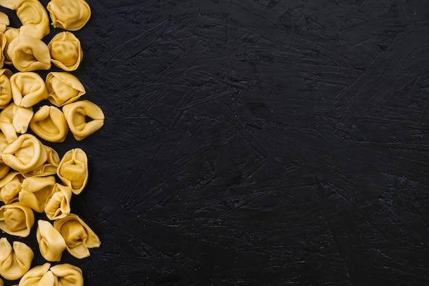 Mucchio di pasta ripiena