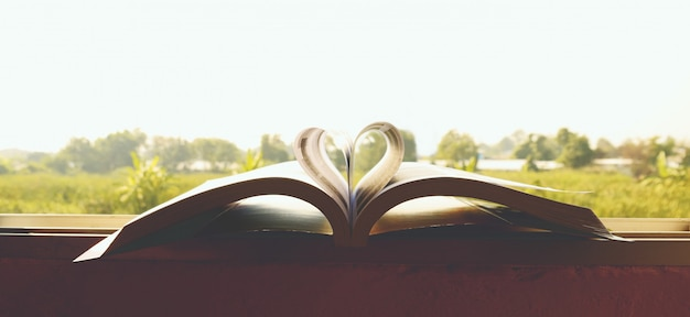 Heart book wallpapers close-up