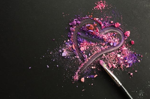 Heart on crushed eyeshadows