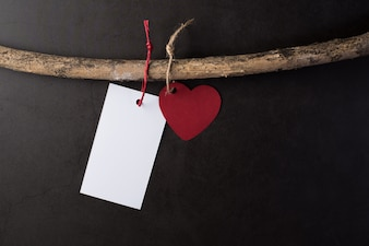 Сердце висит на ветвях