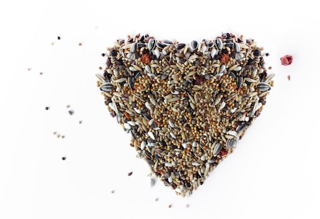 고립 된 새 곡물의 심장