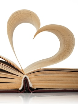 孤立した本のページの中心