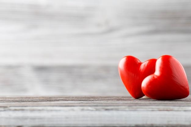 Сердце на деревянном